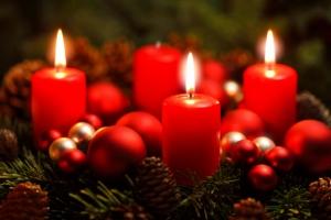 Der Adventskranz als das Symbol der Adventszeit