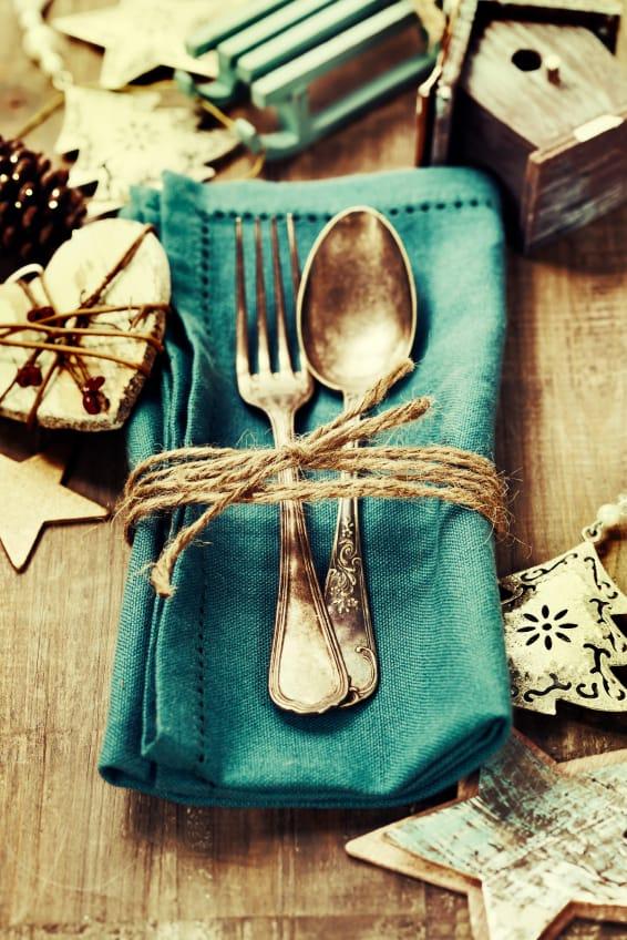 Stimmungsvolle Tischdeko für den Adventskaffee